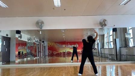 中国舞《妻子》的正面视频
