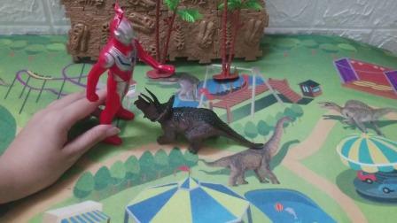 奥特曼居然把怪兽救出来了,原来这个是暗雷奥特曼