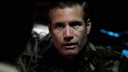 勇者行动:特种小队潜坐艇潜入敌区,真是大手笔制作,经典电影