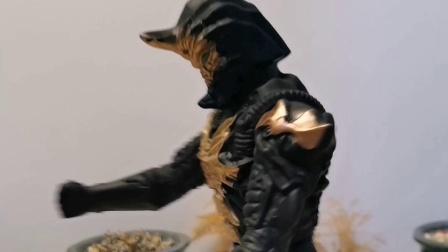 伽古拉奥特曼隶属于光之势力,强大实力和极快反应速度,亦正亦邪