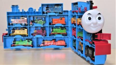 托马斯小火车玩具故事:哇塞!托马斯带来了哪些小伙伴呢?