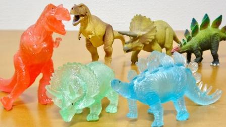 恐龙玩具故事:好炫酷!一起看看会发光的三角龙长什么样吧?