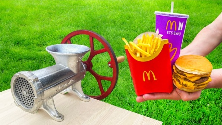 将麦当劳放进绞肉机里,会发生什么?画面不忍直视!