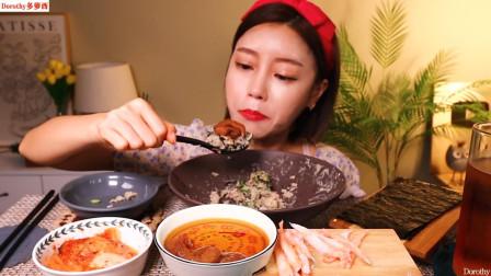 品尝特辣蟹酱拌饭,放入青阳辣椒配上酱虾,用紫菜包着吃太香了!