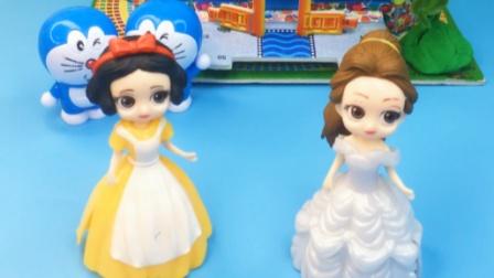 白雪是王后捡来的,真是可怜