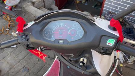 摩托车油表不准确该怎么解决?师傅教你一招,不花一分钱就能修好