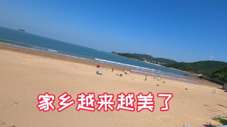 又到了海岛的旅游旺季,阿杰今天跑沙滩散心,这景色心情豁然开朗