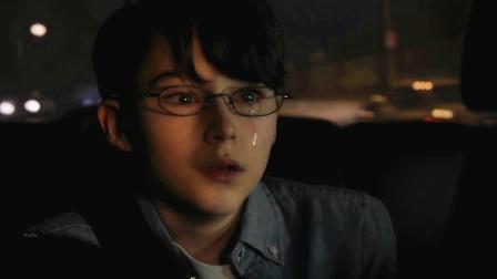 醉酒老妈高速路逆行狂飙,儿子后座吓得大哭,惨剧发生了……