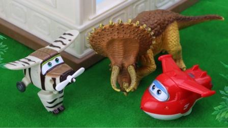 兔小姐的玩具店遭到破怪,超级飞侠查到了是谁在捣蛋