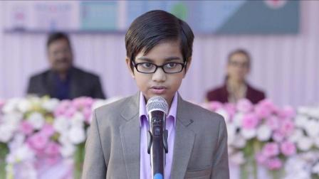 十岁男孩假扮神童,四处演讲赚钱
