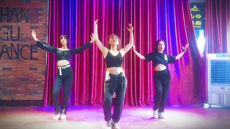山谷舞蹈队美少女周末狂舞《solo》