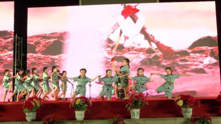 上思县欣苑幼儿园小朋友表演舞蹈《长征》