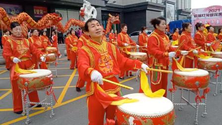 东北珲春的舞龙舞狮扭秧歌