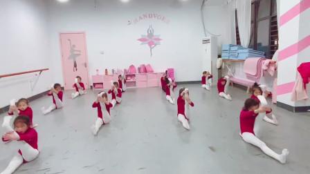 少儿舞蹈训练基本功1