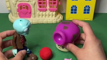 趣味玩具:蘑菇射手用乔治的足球当炮弹