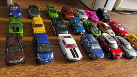 手动推进21辆彩色汽车模型玩具