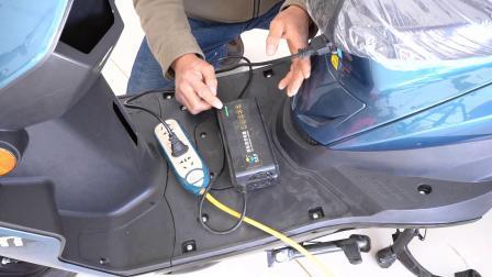 怎么样给电动车充电不伤电池?一招让你轻松学会,让电池多用几年