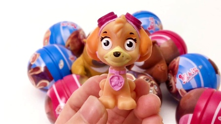 熊出没铁球奇趣蛋 和熊大熊二一起拆惊喜玩具