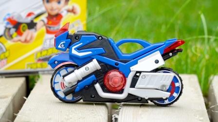 魔幻陀螺激烈对战,摩托车摇身变为陀螺车,这玩具挺好玩