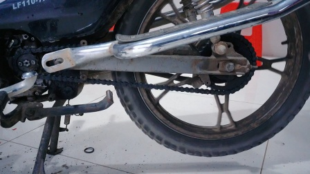 摩托车链条链盘严重磨损!到底要不要换?看专业修车老师傅怎么说