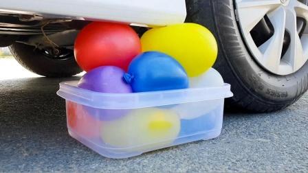 把鸡蛋、甘蔗、气球放在车轮下碾压,勿模仿