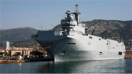又一艘4.5万吨小航母?最高航速可达26节,比海南舰还厉害?