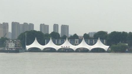 南京中山码头乘船过江-1。