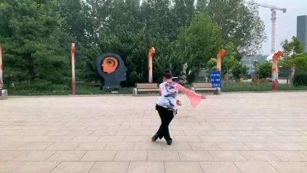 舞蹈《俏花旦》编舞:云门小娟。欢快活泼,灵动的一支舞蹈,只是学跳的不好,因音乐节奏太快,跳的很慌乱。