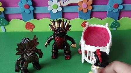 益智玩具:白雪跟小怪兽说让他的爸爸把迪迦跟贝儿放了