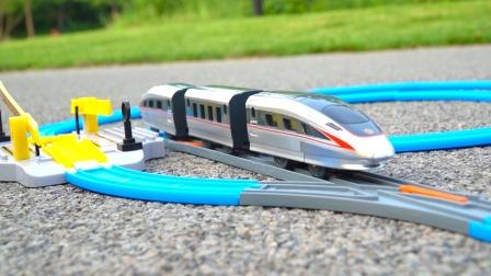 列车超人轨道组合套装,高铁复兴号动车组模型玩具开箱试玩