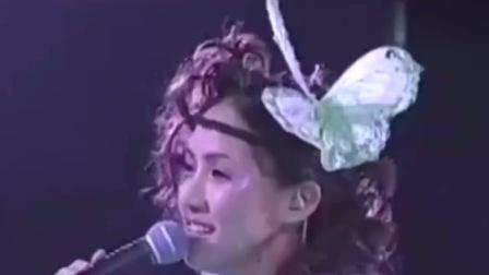 黎瑞恩粤语歌曲《多情》希望多情的你不要空余恨,希望爱的故事都能有下集