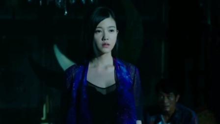 主要剧情剪辑,配对音乐选用《萤火虫》,完美展示影片《天亮之前》所表达的内容。