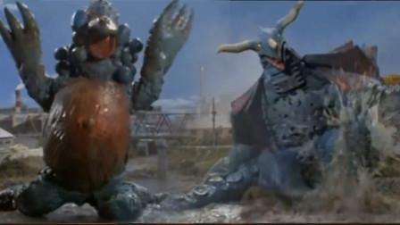 泰罗奥特曼对战两大怪兽,被怪兽踹断胳膊