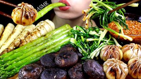 吃货:开吃蔬菜香菇、芦笋、大蒜