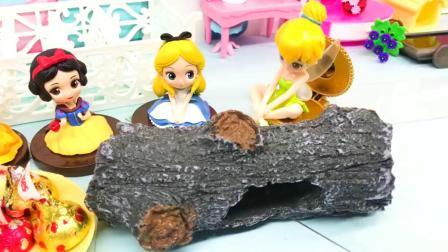 白雪梦到摘糖果,花仙子说糖果还有神奇的魔力,它会有什么呢