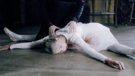 母亲为了让女儿成为舞蹈家,不惜踩断她的脊椎,还做成人偶八音盒