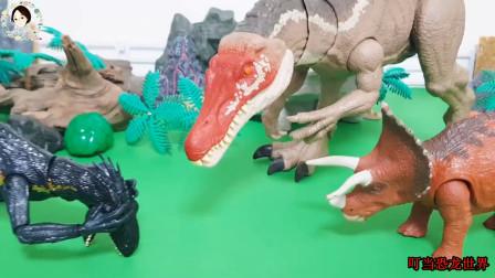 棘龙攻击小恐龙,众多肉食恐龙围捕三角龙,三角龙变出大棘龙