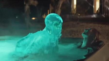 女孩躺泳池享受,却不知水流化成人形,开始对她做可怕的事