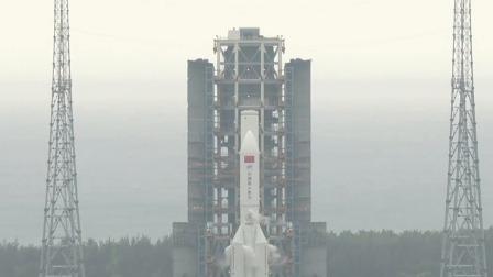 """中国空间站首舱""""天和核心舱""""即将发射 发射塔架下层摆杆摆开 天和入九天 20210429"""