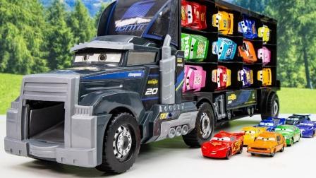 大卡车运输各种各样的赛车选手