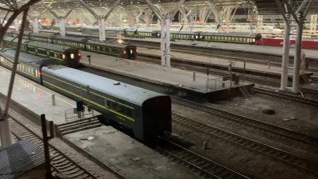 T152列尾挂轨检