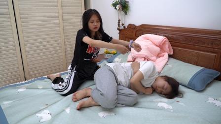 给宝宝,安排了折叠小蚊帐,在沙发上都能睡,折叠好收纳