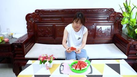 夏天吃西瓜必备的神器,用它切西瓜快速又均匀