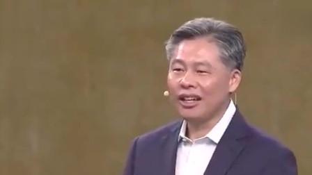 撒贝宁和外国朋友解释,为什么中国人说中文不能用拼音!长见识了