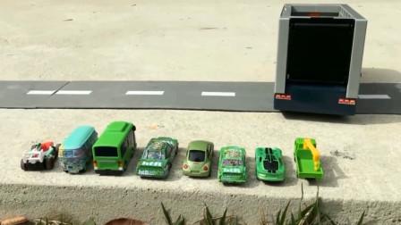趣味益智玩具 运输大卡车与小汽车们