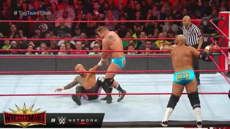 WWE:复兴者飞檐走壁,李科学擂台飞人,双打赛以数秒淘汰告终!
