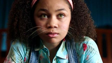 奇幻片:女子控制不住神奇魔法,看一眼猫咪,身体竟发生奇异变化