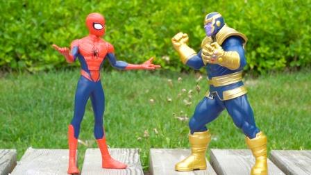 超级英雄:蜘蛛侠和灭霸软胶玩具开箱试玩,关节头手可动哦