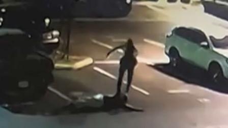 美国:加州一名警官在嫌犯束手就擒后用脚踢打嫌犯头部被调查