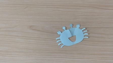 手把手教你如何剪纸小螃蟹!